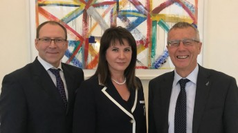 Людмила Маницкая встретилась с Послом Новой Зеландии Иэном Хиллом
